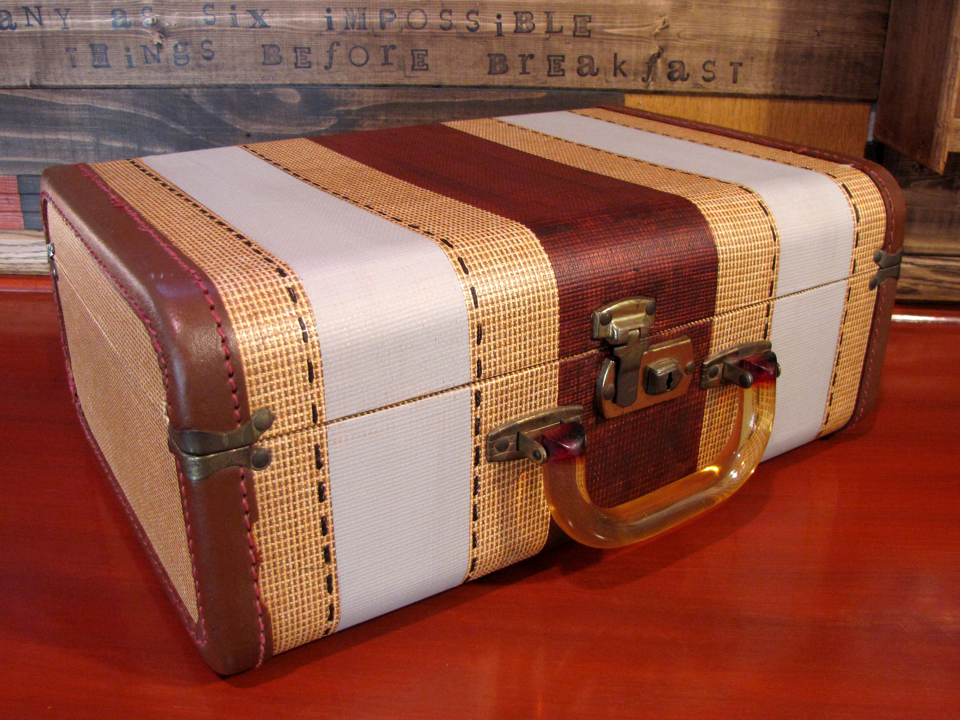 Vintage Suitcase with Painted Details | destashio