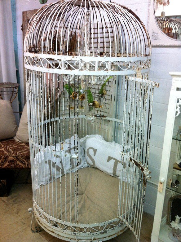 Vignettes Bird Cage